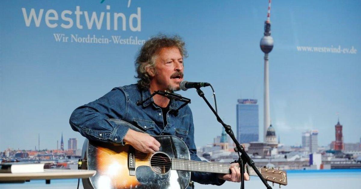 Zu Gast in der Landesvertretung Nordrhein-Westfalen: Wolfgang Niedecken singt und erzählt